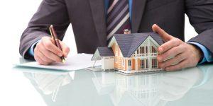 Makelaars bespelen huizenmarkt met (te) lage vraagprijs